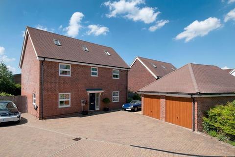 5 bedroom detached house for sale - Taylor Close, Tonbridge, TN9 2FE