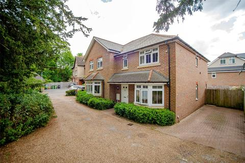 3 bedroom semi-detached house for sale - Toppesfield Park, Maidstone, Kent, ME14