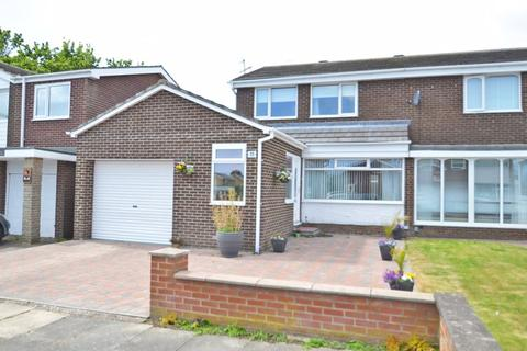 3 bedroom semi-detached house for sale - Moffat Close, North Shields
