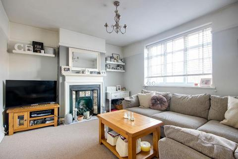 2 bedroom maisonette for sale - Neale Close, East Finchley, London, N2 0LE