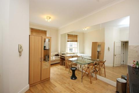 2 bedroom flat to rent - Hogarth Road, Kensington, London, SW5 0PX