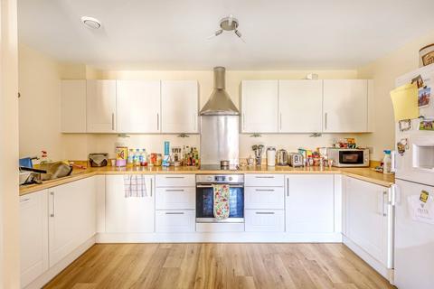 2 bedroom flat to rent - Schoolgate Drive, Morden, London, SM4