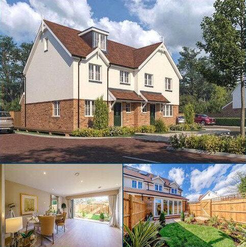 2 bedroom semi-detached house for sale - Straight Road, Old Windsor, Windsor, Berkshire, SL4