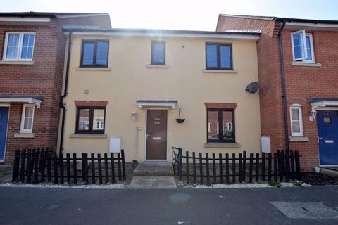 3 bedroom terraced house for sale - Pluto Way, Aylesbury