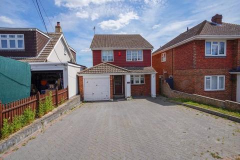 4 bedroom detached house to rent - High Road, Benfleet