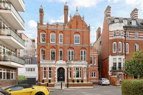 7 bedroom house to rent - Palace Court W2
