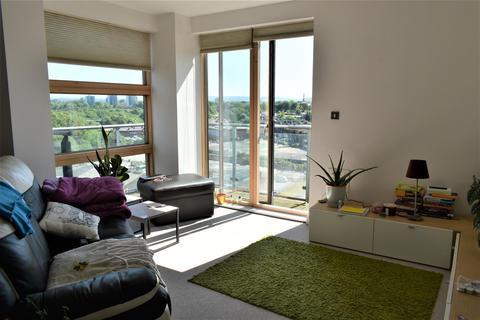 2 bedroom apartment to rent - Hornbeam Way, Manchester