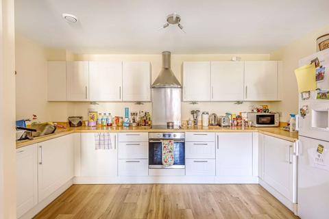 2 bedroom flat to rent - Schoolgate Drive, London