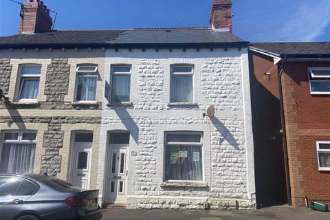3 bedroom end of terrace house for sale - Brook Street, Barry