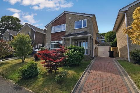 3 bedroom detached house for sale - Nidderdale Walk, Baildon