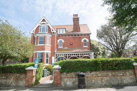 2 bedroom flat for sale - Carlisle Road, Eastbourne