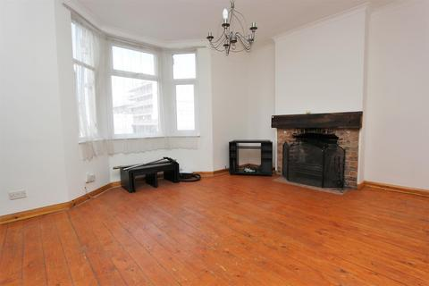 3 bedroom flat to rent - Bowes Road, Bounds Green, N13 4RU