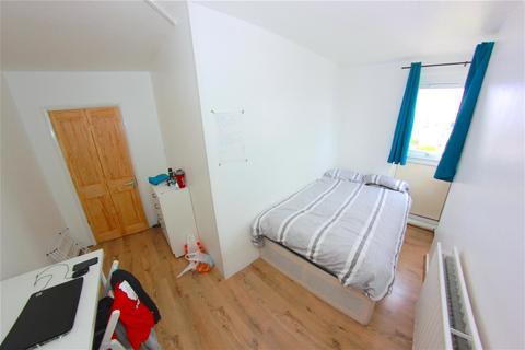 4 bedroom house share to rent - Tillman Street, London