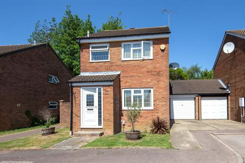3 bedroom detached house for sale - Conway Close, Houghton Regis, Bedfordshire