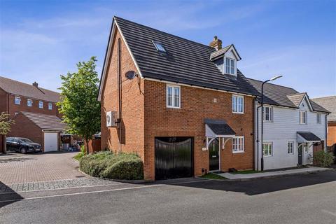 3 bedroom semi-detached house for sale - Bluebell Road, Kingsnorth, Ashford