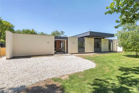 4 bedroom bungalow for sale - Station Road, Bentworth, Hampshire, GU34