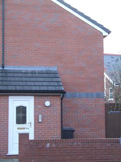 2 bedroom flat to rent - Ruabon Road, Wrexham LL13