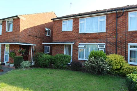 2 bedroom maisonette to rent - Tippets Close, Enfield,  EN2