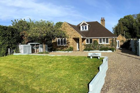 4 bedroom detached bungalow for sale - Highmoor Cross, Henley-On-Thames, RG9