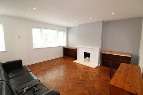 2 bedroom maisonette to rent - Norfolk Close, Cockfosters, EN4