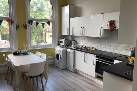 6 bedroom house to rent - Wilmslow Rd, Manchester, M20 3BW