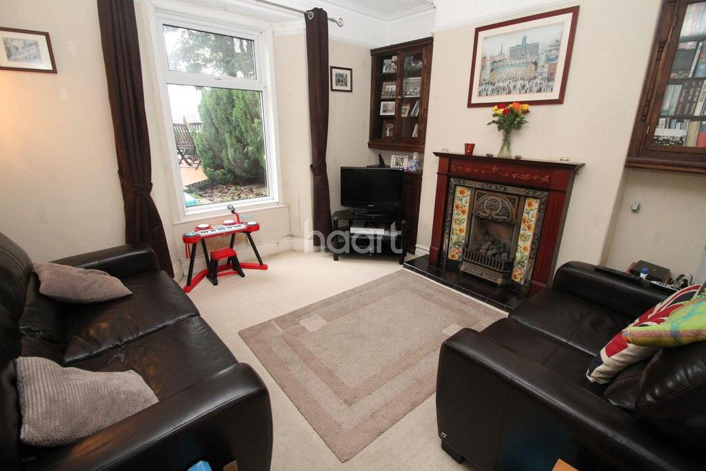 2 Bedrooms Semi Detached House for sale in Laira Gardens, Laira