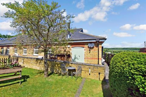 3 bedroom semi-detached bungalow for sale - Cockering Road, Chartham, Canterbury, Kent