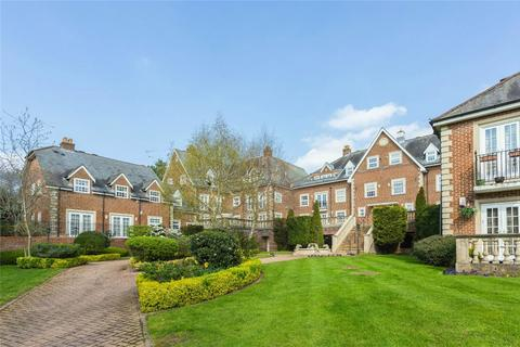 2 bedroom flat for sale - Lancaster House, Park Lane, Stanmore, Middlesex
