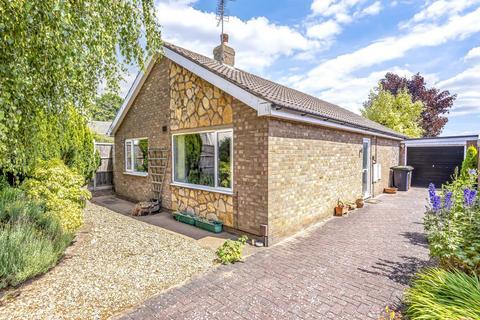 2 bedroom detached bungalow for sale - Tamar Way, North Hykeham, LN6
