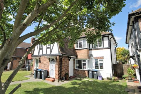 2 bedroom maisonette to rent - Tudor Drive, Morden