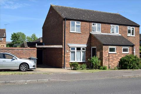 3 bedroom semi-detached house for sale - Oliver Way, Chelmsford