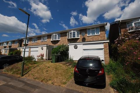 4 bedroom end of terrace house to rent - Lynwood