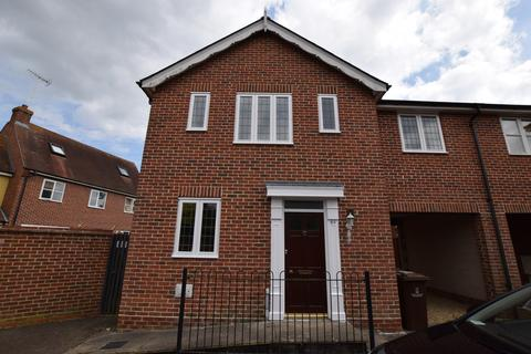 4 bedroom detached house to rent - Mascot Square, Colchester