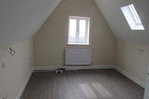 Studio to rent - Gloucester Road North, Filton, Bristol