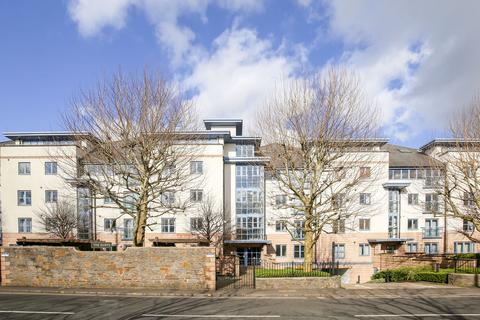 2 bedroom flat for sale - The Quays, Cumberland Road, Bristol, BS1