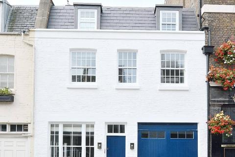 3 bedroom terraced house for sale - Belgrave Mews West, Belgravia, London, SW1X