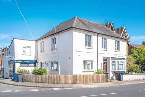 3 bedroom apartment for sale - Hare Lane, Farncombe