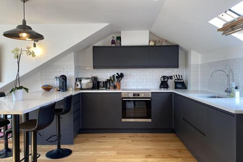 2 bedroom flat for sale - Ellison Road, London SW16