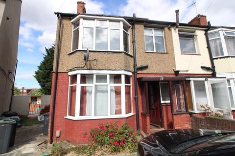 3 bedroom semi-detached house to rent - Traditional family home on Shelley Road, Luton