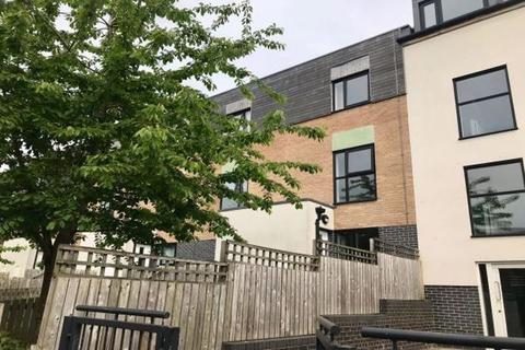 3 bedroom townhouse to rent - THREE BEDROOM FURNISHED TOWNHOUSE @ HOLLIES LANE, SALFORD