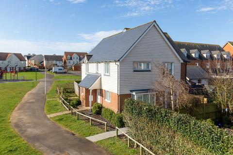 3 bedroom semi-detached house for sale - Corbett Road, Hawkinge, Folkestone, CT18