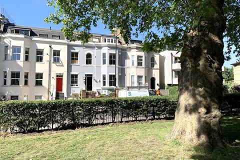 1 bedroom flat for sale - Downs Road, Hackney
