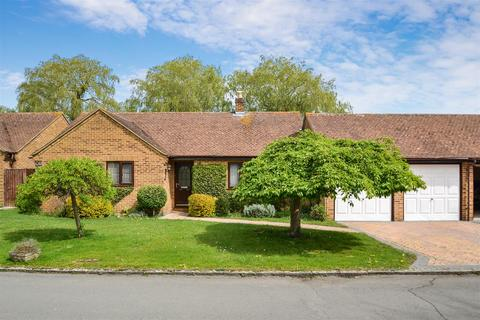 4 bedroom bungalow for sale - The Poplars, Launton, Bicester