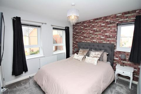 3 bedroom semi-detached house for sale - Boswell Street, Woodhouse Park, Nottingham, NG8