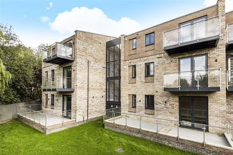 2 bedroom flat for sale - Brookmans Place, Green Close, Brookmans Park, Hertfordshire