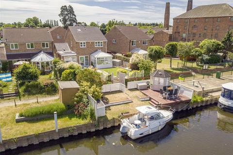 4 bedroom detached house for sale - The Weavers, Newark, Nottinghamshire, NG24 4RY