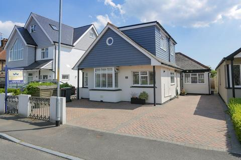 5 bedroom detached bungalow for sale - Queens Road, Tankerton, Whitstable
