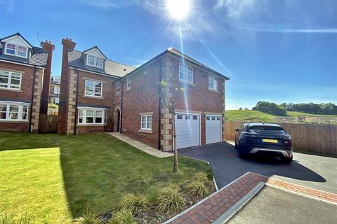 6 bedroom detached house for sale - Moor View Close, Menston