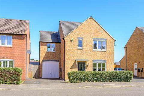 4 bedroom detached house for sale - Balmoral Drive, Grantham