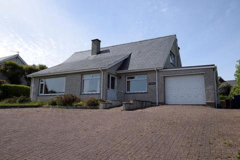 3 bedroom house for sale - Penaber Estate, Criccieth
